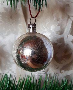 alte Christbaumkugel silber 4cm