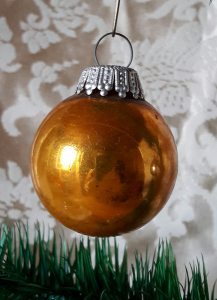 alte Christbaumkugel gold 4cm