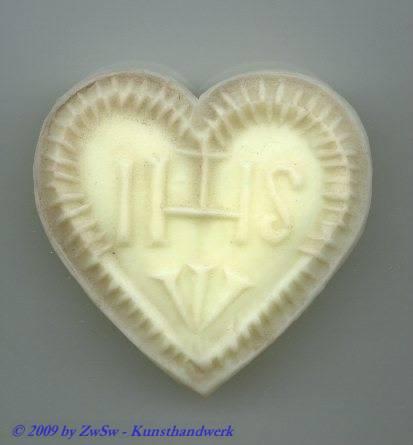 IHS Herz, weiß, ca. 5,6cm x 5,9cm