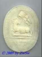 Medaillion: Agnus Dei, weiß, ca. 10cm x 8cm