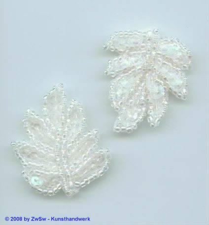 1 gesticktes Perlenblatt kristall/AB