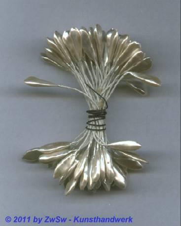 Blütenstempel in Perlmuttweiß