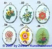 1 Medaillionanhänger mit Blumenmotiv 01