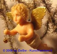 1 Engel, blond mit Glocke, 16 cm