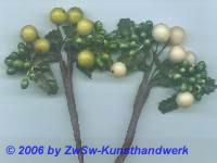Früchtestrauß mit ilexbeeren (creme)
