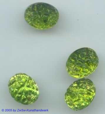 1 Strassstein oval mit Prägung (hellgrün)