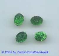 1 Strassstein mit Prägung (smaragd)