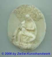 Medaillon: Pieta, 5,5cm x 4,5cm