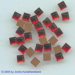Strasssteine 1 Stück, 4mm x 4mm (rubinrot)