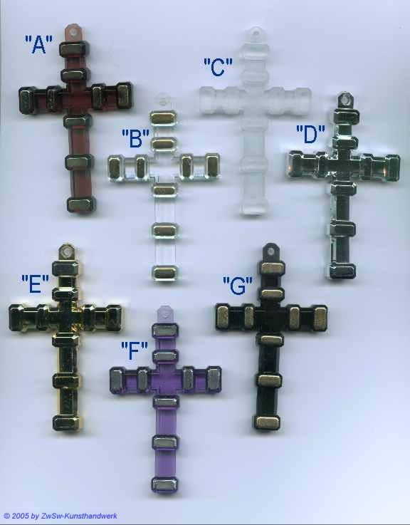 Kreuzanhänger in bernstein mit Goldstreifen